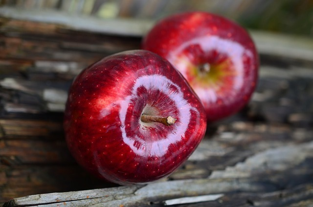 1歳・2歳の子供にりんごは1日何個まで与えてもいい?りんごの危険性