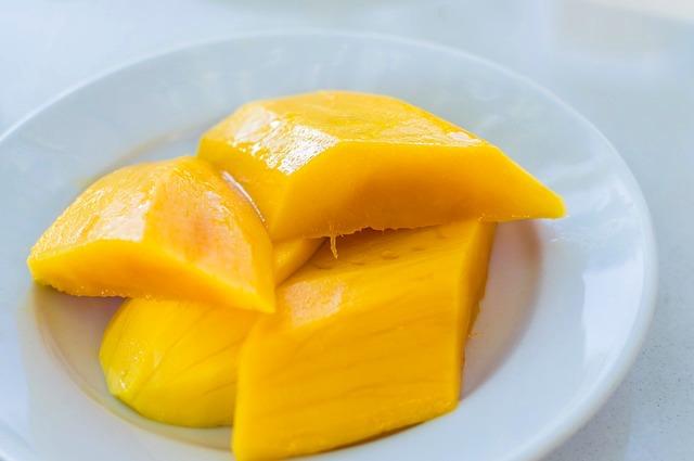 1歳・2歳の子供にマンゴーは1日何個まで与えてもいい?マンゴーの危険性